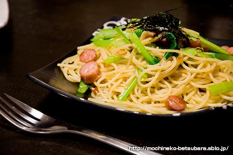 小松菜とソーセージの和風スパゲティニ